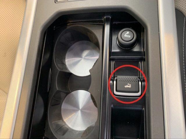 エクセルレンタカー沖縄 ブログ イヴォーク コンバーチブルスイッチ